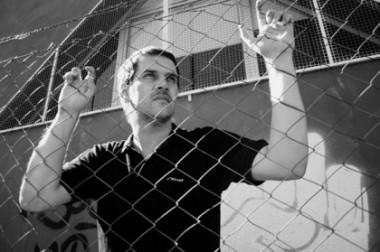 Juan Diego Incardona: «Me pareció pertinente escribir sobre el rock barrial como un hecho político»