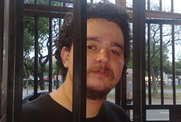 Sebastián Robles: «Quería contar el derrumbe de un país»