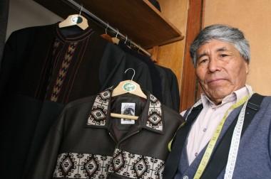 El hombre que viste a Evo Morales
