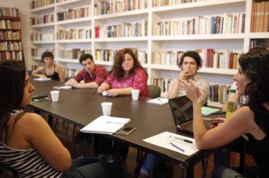 Los ganadores del Premio FTEM de Crónica para Estudiantes de Periodismo realizan una clínica junto a Josefina Licitra